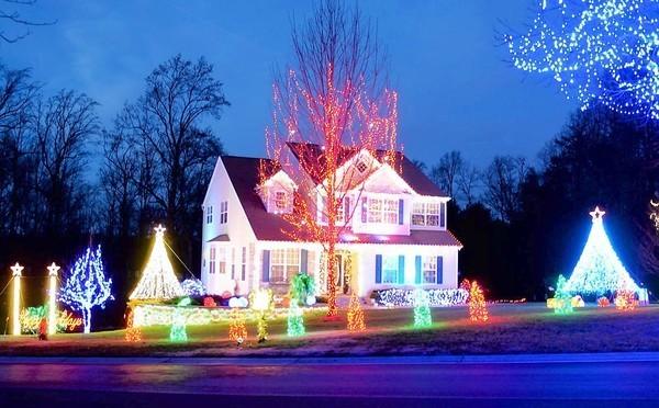 christmas light show involves 55000 bulb display synchronized to music baltimore sun