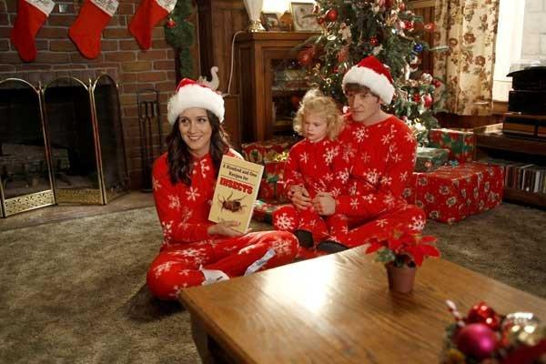 "A Very special Christmas is planned on a new episode of the comedy ""Raising Hope"" at 8 p.m. on Fox. With Shannon Woodward, left, twins Baylie and Rylie Cregut and Lucas Neff."