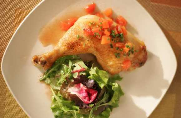 Sauteed chicken with red wine vinegar sauce