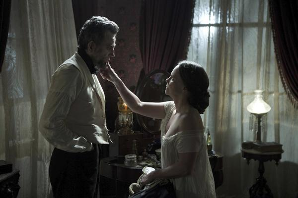 "Steven Spielberg's ""Lincoln,"" starring Daniel Day-Lewis and Sally Field, earned 13 Critics' Choice Movie Awards nominations."