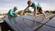 SolarCity Corp. expanded the size of its highly anticipated initial public offering but knocked down the share price in what analysts said was a bid to boost investor demand.