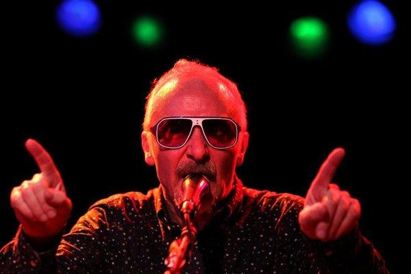 "Graham Parker performs at the Roxy. The English singer gigged with his band the Rumour in celebration of its appearance in Judd Apatow's new movie, ""This Is 40."""