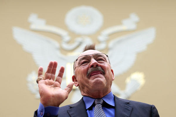 "Football Hall of Famer Dick Butkus is sworn in prior to testifying on Capitol Hill on the topic of 'HGH (Human Growth Hormone) Testing in the NFL."" (Getty Images)"