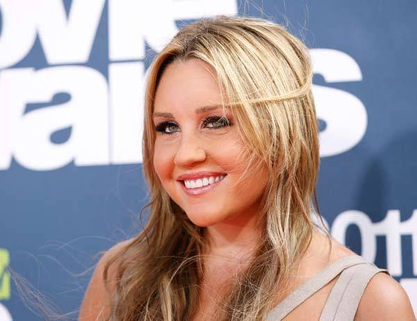 Year in Review: Entertainment news of 2012: Amanda Bynes car trouble