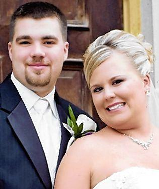 Eric Imbery and Tiffany Ristau were married August 11,2012 at Zion Lutheran Church in Aberdeen, SD. Parents of the couple are Ken & Yvonne Imbery of Jamestown, ND & Amy Imbery of Blue Earth, MN, and Jonathan & Gay Ristau of Aberdeen. The couple resides in Mina, SD.