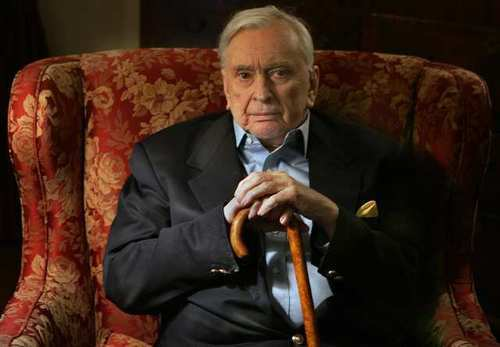 Writer Gore Vidal died at his home in the Hollywood Hills of complications of pneumonia. He was 86.