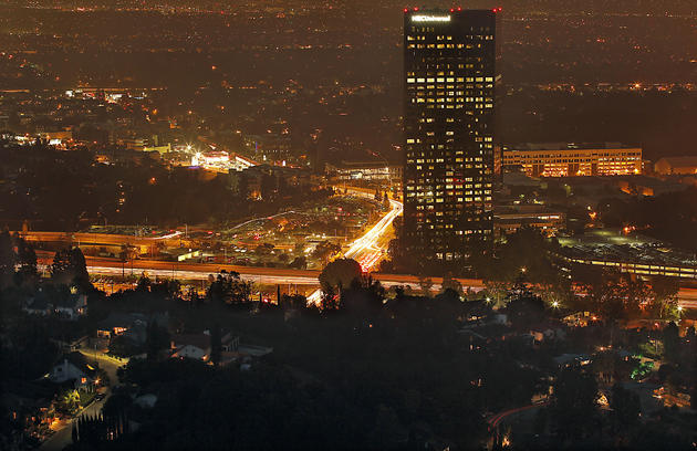 The underrated 10 Universal City Plaza, the tallest building in the Valley at 36 stories, looms over Lankershim Boulevard. (Luis Sinco / Los Angeles Times)