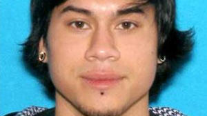 Man accused in Ore. mall shooting had 'weird look'