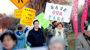Residents hold rush-hour rally to protect Towson Manor Village park