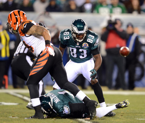 Cincinnati Bengals running back Dan Herron (34) blocks an attempted punt by the Eagles at Lincoln Financial Field in Philadelphia on Thursday.