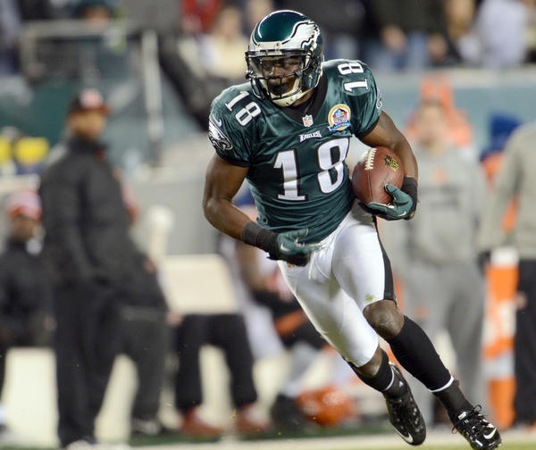 Philadelphia Eagles wide receiver Jeremy Maclin (18) makes a deep catch against the Cincinnati Bengals at Lincoln Financial Field in Philadelphia on Thursday.