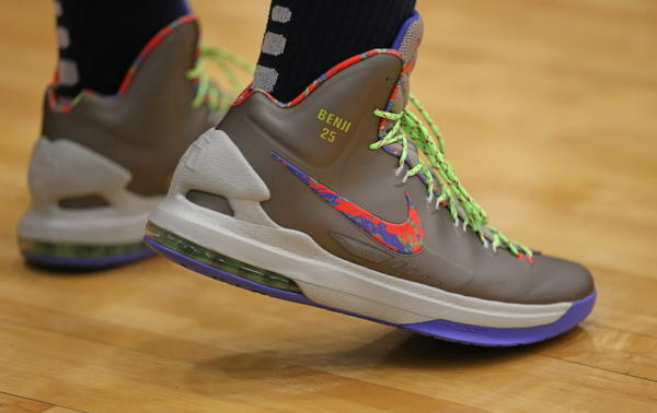 Simeon All Access: Simeon honors Ben Wilson with shoe ... Jabari Parker Shoes