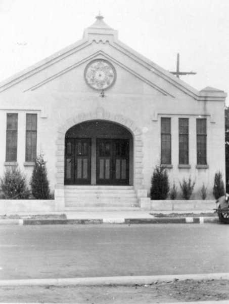 This is what the Chevy Chase Baptist Church looked like when Ronald Banes began attending in 1935. The sanctuary, fronting on Acacia Avenue, was built in 1927. (Photo courtesy of the Chevy Chase Baptist Church)