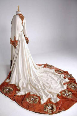 "This cream silk night dress and robe were worn by Kate Winslet as Sylvia Llewelyn Davies in ""Finding Neverland"" (2004). Costume design by Alexandra Byrne."