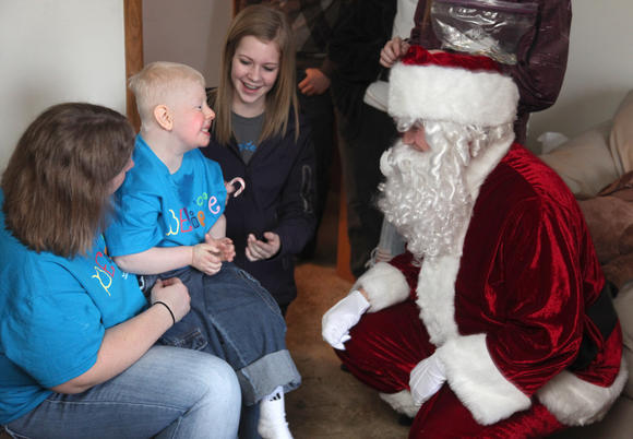 Aberdeen boy meets Santa Claus