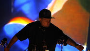Mansion kicks out DJ Shadow