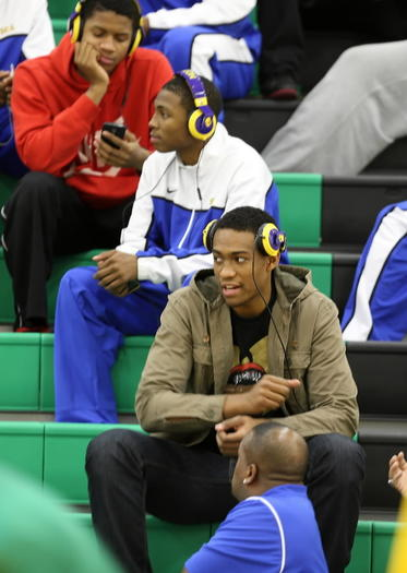 Simeon senior Jabari Parker sat out Monday's game against Carver and likely will miss the team's other two games this week while he recovers from a foot injury.