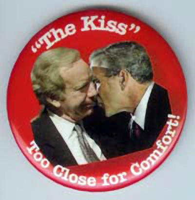 """The Kiss"" button, depicting a kiss exchanged between Joe Lieberman and President George W. Bush, is displayed at the top of the dumpjoe.com web page.  Courtesy dumpjoe.com."
