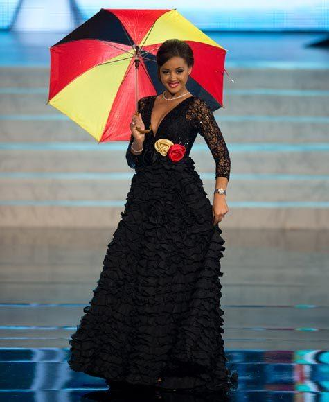 Miss Universe 2012 National Costume Pictures: Laura Beyne, Belgium