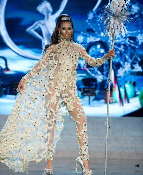 Miss Universe 2012 National Costume Pictures: Liza Helder, Aruba