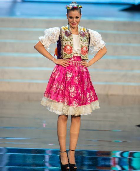 Miss Universe 2012 National Costume Pictures: Tereza Chlebovska, Czech Republic