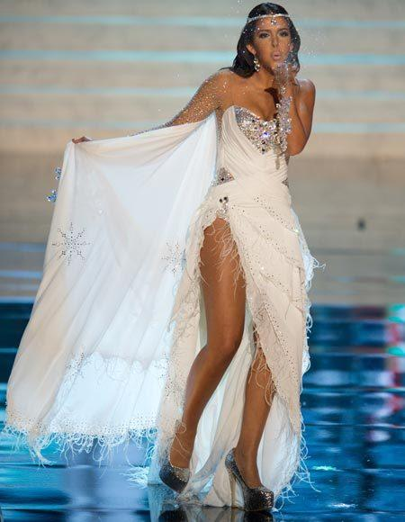 Miss Universe 2012 National Costume Pictures: Sara Chafak, Finland