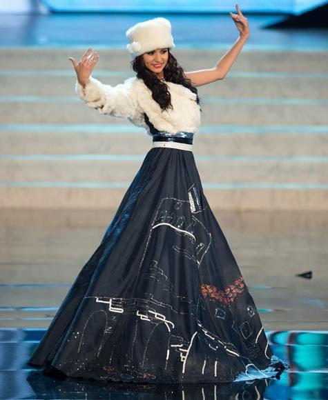 Miss Universe 2012 National Costume Pictures: Natalie Korneitsik, Estonia