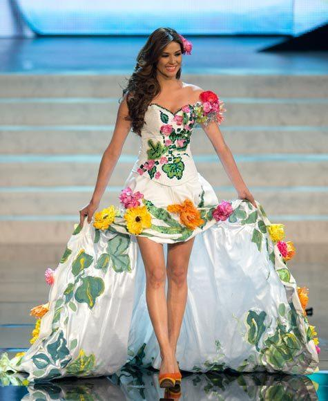 Miss Universe 2012 National Costume Pictures: Ana Yancy Clavel, El Salvador