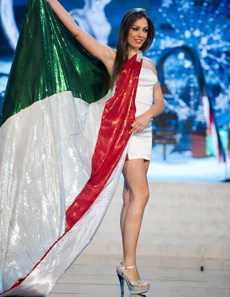 Miss Universe 2012 National Costume Pictures: Grazia Pinto, Italy