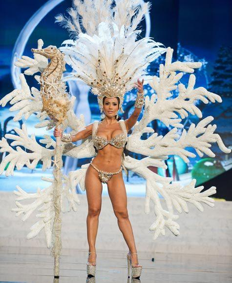 Miss Universe 2012 National Costume Pictures: Jennifer Andrade, Honduras
