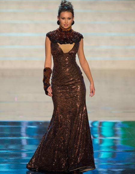 Miss Universe 2012 National Costume Pictures: Greta Mikalauskyte, Lithuania