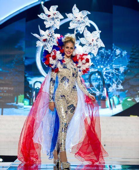 Miss Universe 2012 National Costume Pictures: Nathalie den Dekker, Netherlands