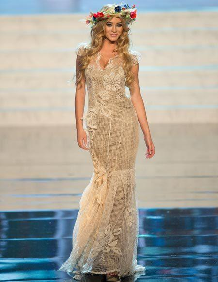 Miss Universe 2012 National Costume Pictures: Marcelina Zawadzka, Poland