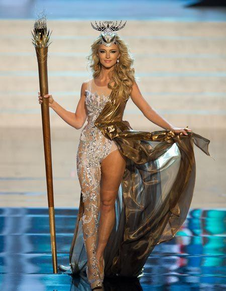 Miss Universe 2012 National Costume Pictures: Melinda Bam, South Africa