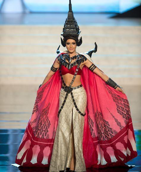 Miss Universe 2012 National Costume Pictures: Nutpimon Farida Waller, Thailand