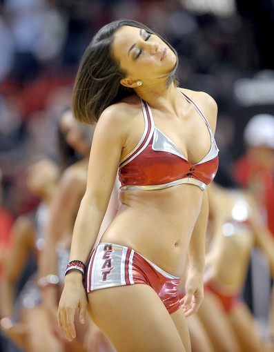 <b>Photos:</b> Miami Heat Dancers in action - Miami Heat Dancers on the court