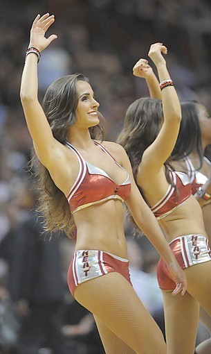 <b>Photos:</b> Miami Heat Dancers in action - Against the Magic