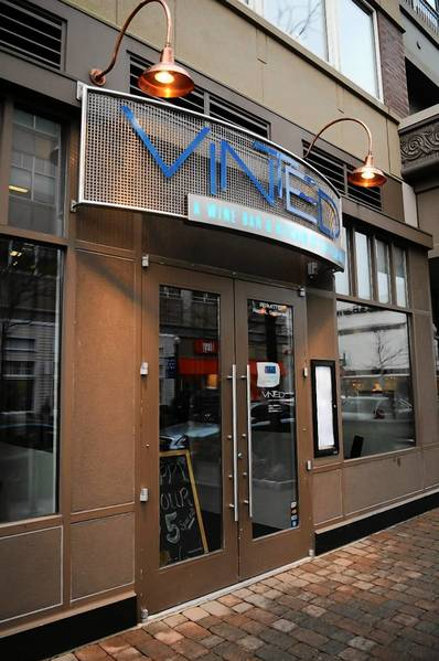Vinted is a wine bar located in the former building that housed Uncorked in Blue Back Square in West Hartford.