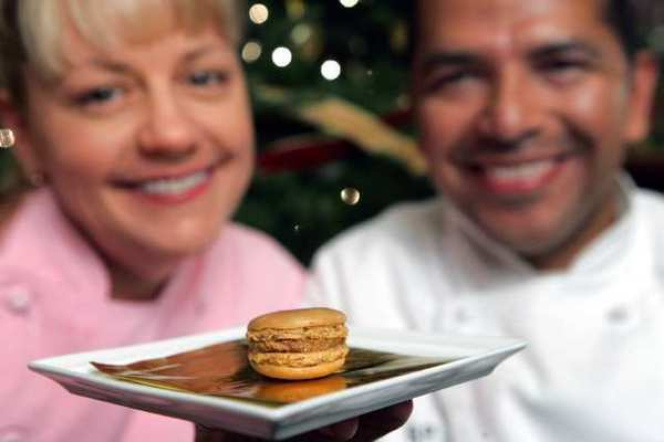 Sherry Yard, Sixto Pocasangre and their gingerbread macaron.