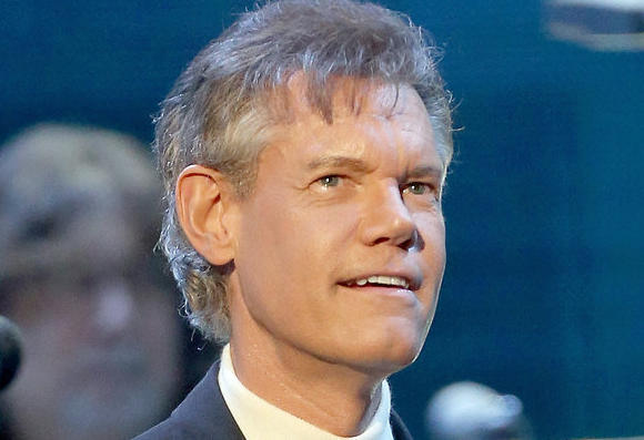 Randy Travis pleads not guilty