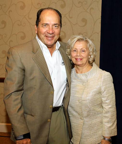 Baseball Hall of Fame catcher Johnny Bench was the keynote speaker and Helene Wagner an award recipient at the LifePath Thanksgiving Benefit and Awards Luncheon at Holiday Inn Conference Center in Fogelsville Nov. 21.