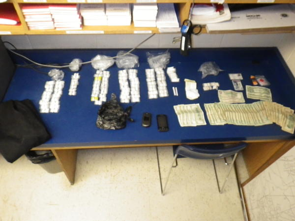 Two men were arrested after police found 800 bags of heroin in Norwich.