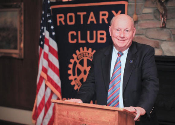 Munson speaks at Rotary