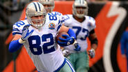 Dallas Cowboys tight end Jason Witten has set a new record for receptions by a tight end in a single season, the second consecutive day a receiving record has fallen in the NFL.