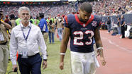 Houston Texans star running back Arian Foster left a 23-6 loss to the Minnesota Vikings early in the third quarter because of an irregular heartbeat.
