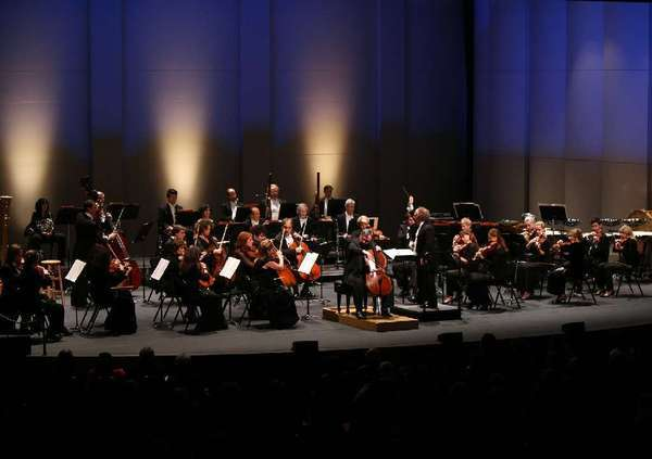 Members of the Los Angeles Chamber Orchestra, conducted by Jeffrey Kahane, at a 2011 performance at the Alex Theatre in Glendale.