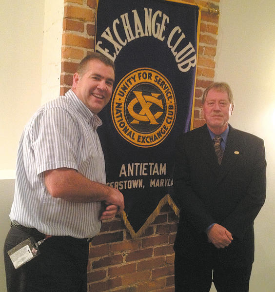 From left, Antietam Exchange Club Vice President Mooch Mutchler and Fahrney-Keedy CEO Keith Bryan.