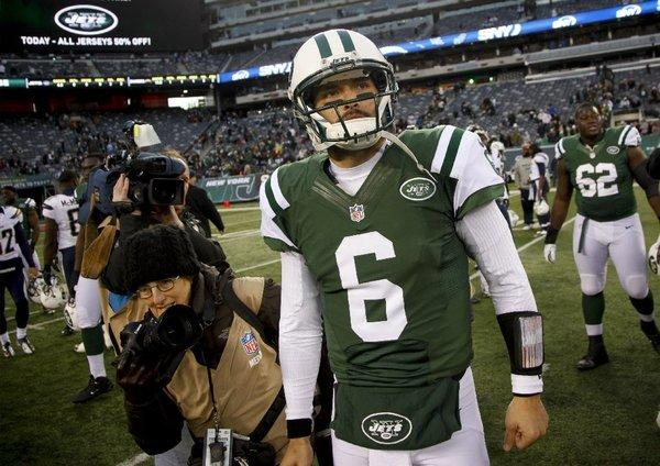 Mark Sanchez will start for the Jets on Sunday.