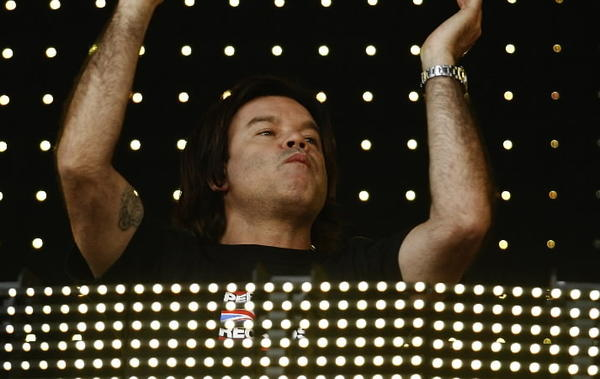 Long before electronic dance music drew hundreds of thousands of neon-painted hipsters to events like the Electric Daisy Carnival in Las Vegas and producer-DJs from Calvin Harris to Afrojack were improving hit singles by mainstream pop stars, there was Oakenfold. The 49-year-old DJ came out of London's house-music scene in the late '80s, has remixed U2 and produced Madonna; he spews out album after album (many on his own Perfecto label) of beats that can soothe even the most anxious of robots. <Br><br><b> 8 p.m., headlining the Chicago NYE Ball at the Castle, 632 N. Dearborn, $150; 312-266-1944</b>