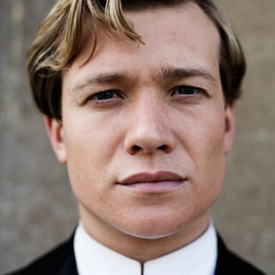 Ed Speleers | Actor